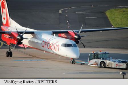32 de zboruri Air Berlin au fost anulate miercuri, după ce 150 de piloți s-au îmbolnăvit subit