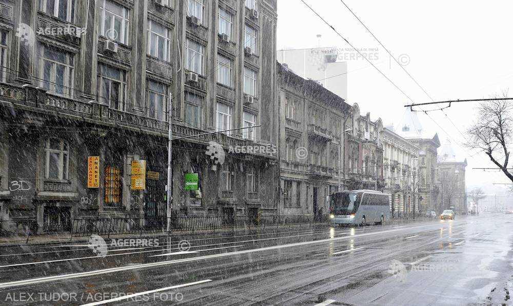 Prognoză meteo Bucureşti: Ninsori moderate, ploaie, lapoviţă şi condiţii de polei, în următoarele zile