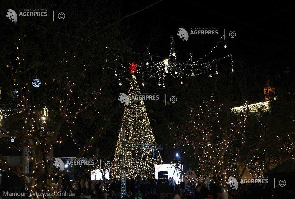 La Betleem, leagănul creştinismului, s-a dat startul sărbătorilor prin aprinderea luminiţelor bradului de Crăciun