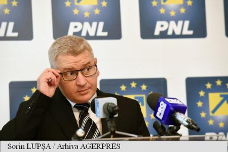 Florin Roman lui Kelemen Hunor: Dacă țineți la această țară, nu mai susțineți PSD, ci PNL