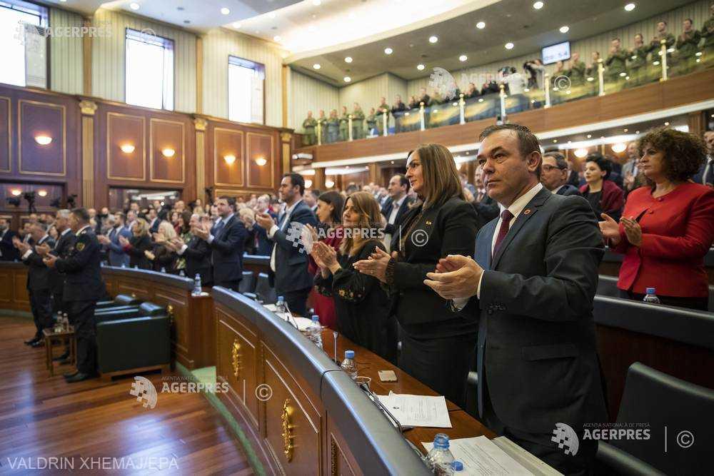 Kosovo: Parlamentul a aprobat formarea unei echipe pentru negocieri cu Serbia