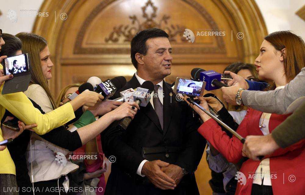 #ReferendumFamilie Bădălău (PSD Giurgiu) i-a convocat pe primari pentru