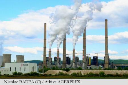 Raport Greenpeace România: Aproape jumătate dintre cele 28 de termocentrale pe cărbune funcționează în prezent în afara legii