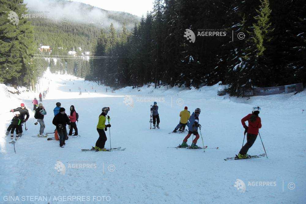 Harghita: Peste 50 de intervenţii ale salvamontiştilor în perioada sărbătorilor, majoritatea la accidente pe pârtiile de schi