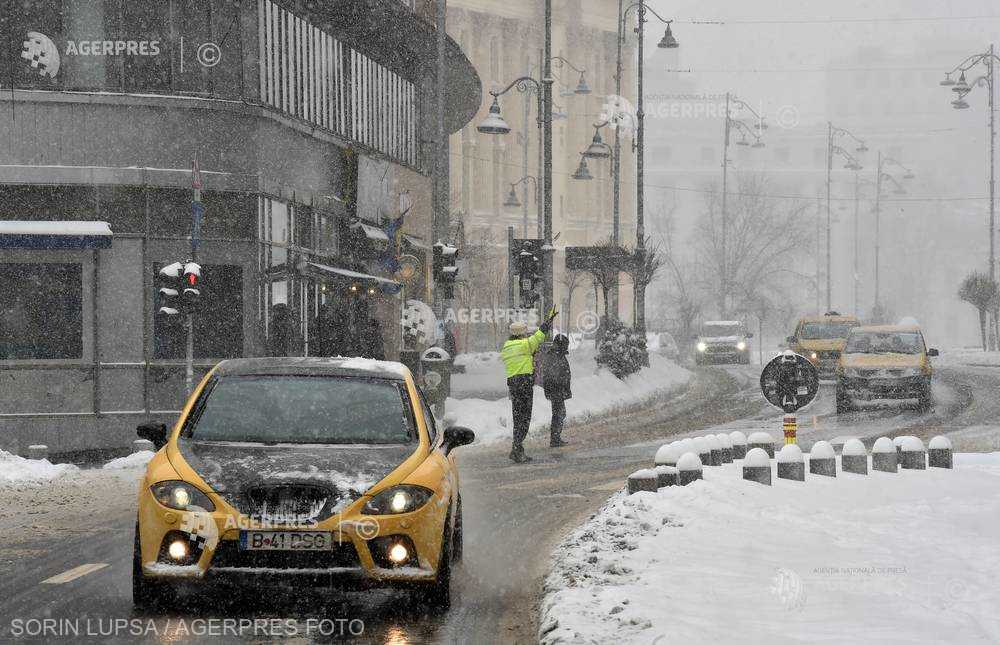 PMB: Traficul în Capitală se desfăşoară în condiţii normale de iarnă