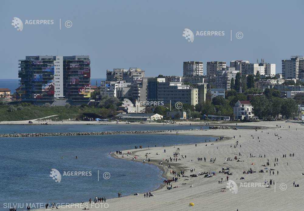 Constanţa: 33 de dosare penale, în urma acţiunilor poliţiştilor antidrog pe litoral în minivacanţa de Paşte şi 1 Mai