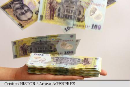 Numărul persoanelor fizice cu restanțe la bănci și IFN-uri a crescut cu peste 7.000, în august