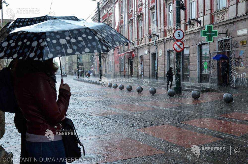 ANM: Vreme schimbătoare şi precipitaţii în aproape toată ţara, în intervalul 11 - 24 februarie