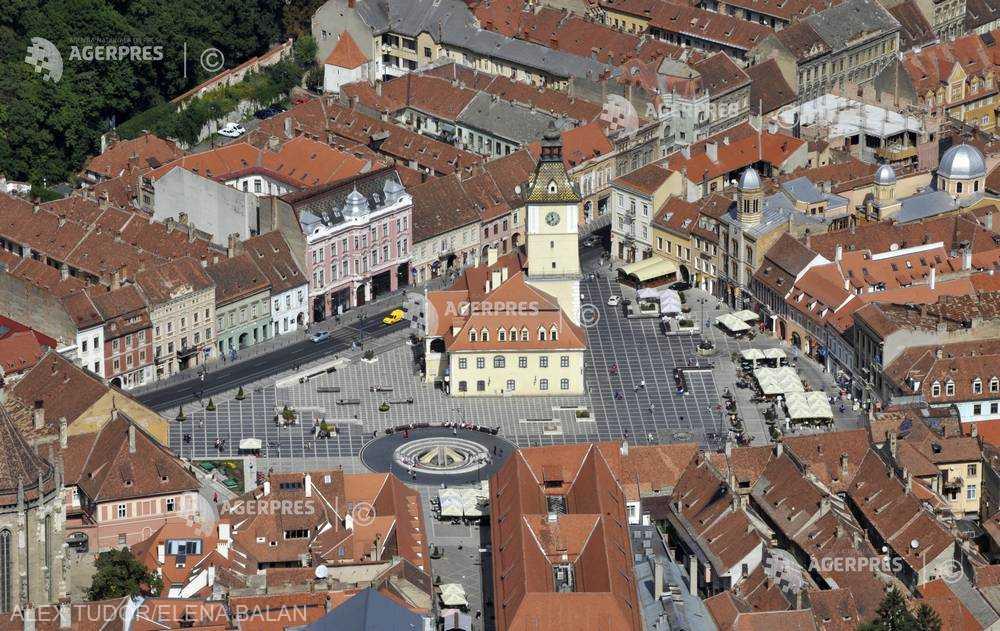 Braşov: Proiectul de modernizare a toaletei publice din Piaţa Sfatului, scos de primar de pe ordinea de zi a Consiliului Local