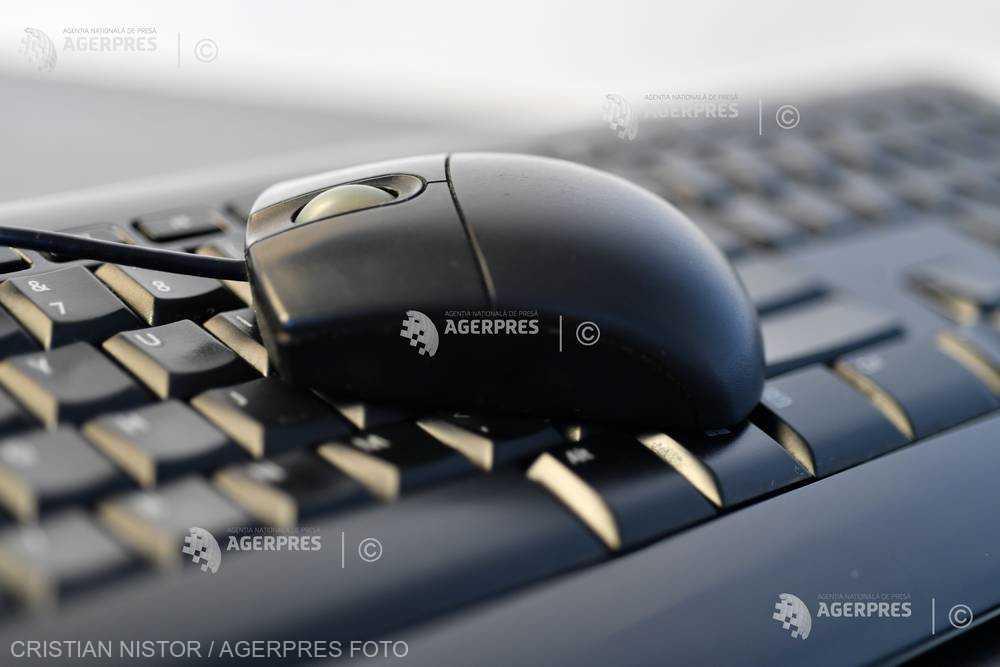 1,4 miliarde de parole, inclusiv ale unor politicieni norvegieni, scurse de hackeri pe internet (presa norvegiană)