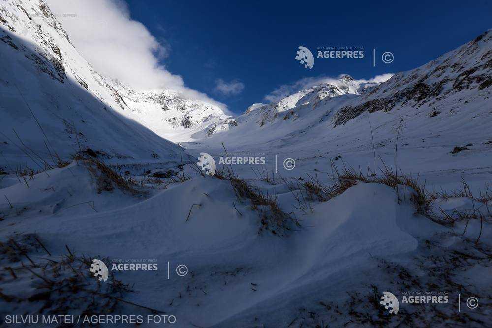 Braşov: Risc major de producere de avalanşe în masivele Făgăraş şi Bucegi