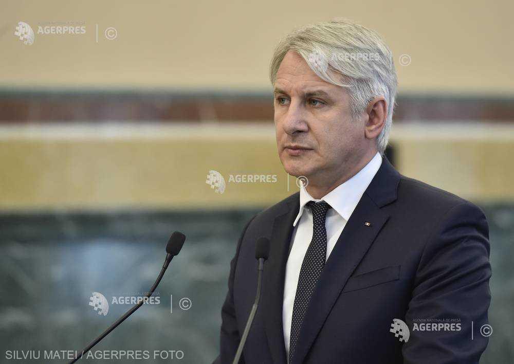 Teodorovici: ANAF trebuie să aducă mai mulţi bani, să crească gradul de colectare la 30% din PIB