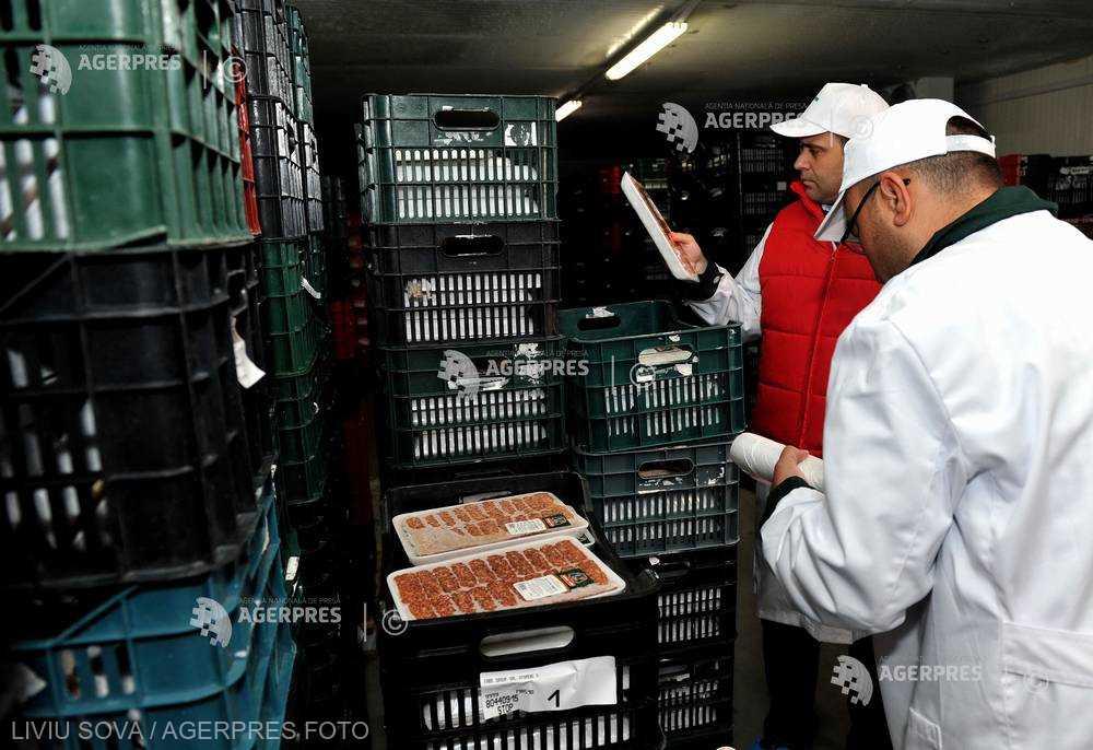 ANSVSA: Amenzi de peste 1,27 de milioane de lei, 6 tone de alimente şi 72.280 de ouă reţinute de la comercializare, în aprilie