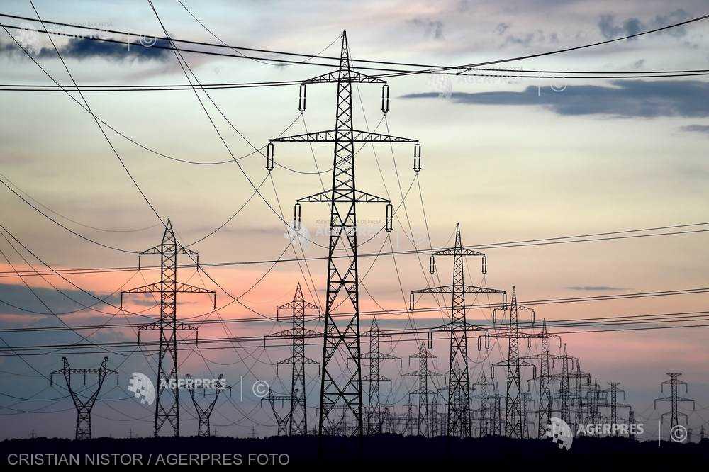 Energia electrică în România, mai scumpă cu 30% decât ţările din regiune, pe piaţa bursieră spot