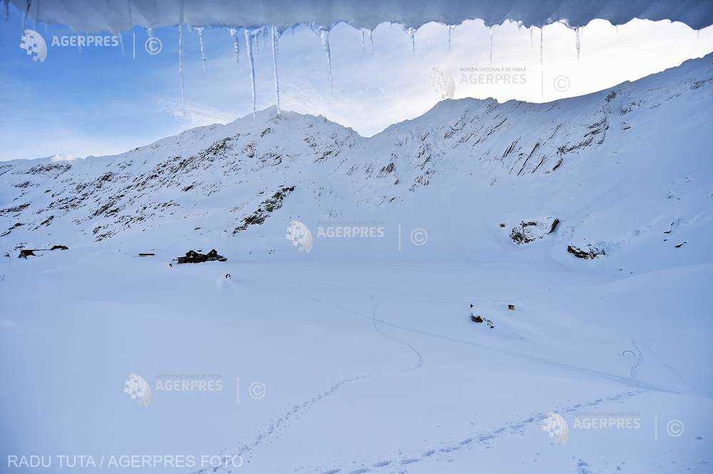 Sibiu: Risc însemnat de avalanşă şi zăpadă de 2,8 metri la Bâlea Lac