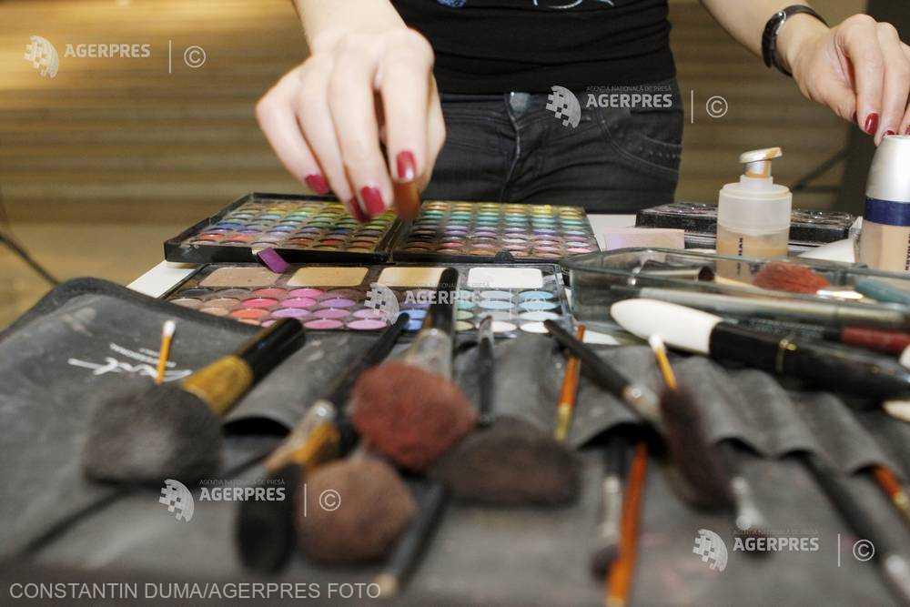 Inspectorii de la Protecţia Consumatorilor au aplicat amenzi de 1,19 milioane lei comercianţilor de cosmetice