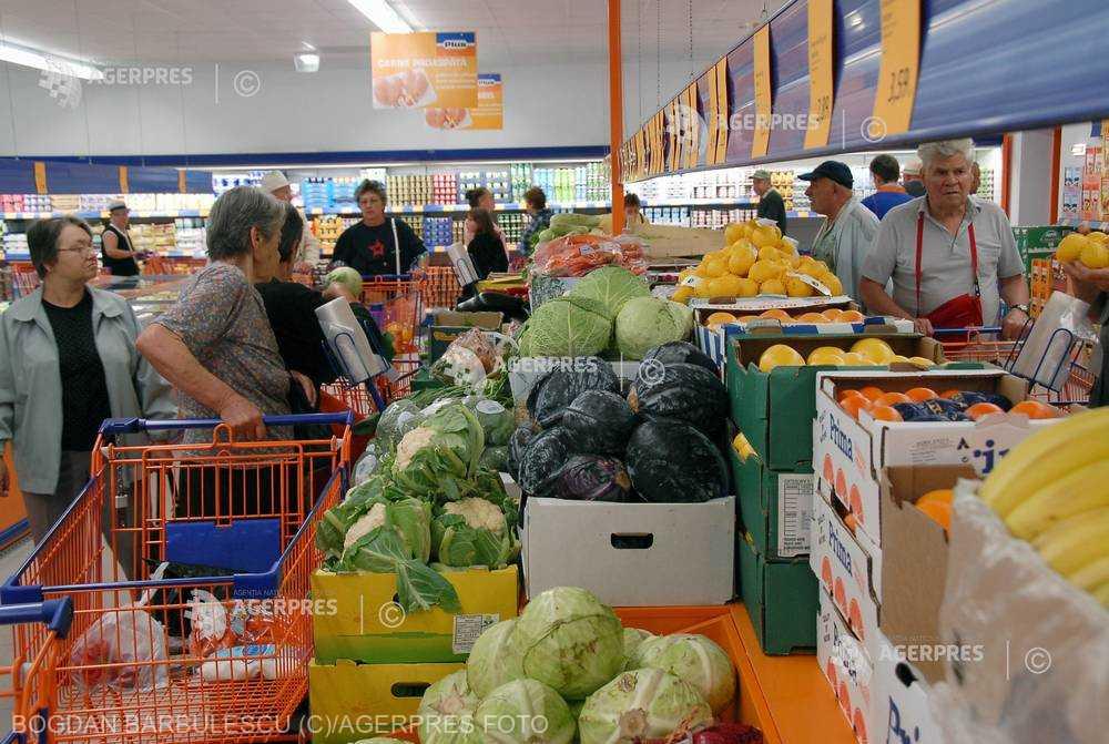 România a importat legume şi fructe de 783,1 milioane euro în primul semestru; valoarea exporturilor, de 10 ori mai mică