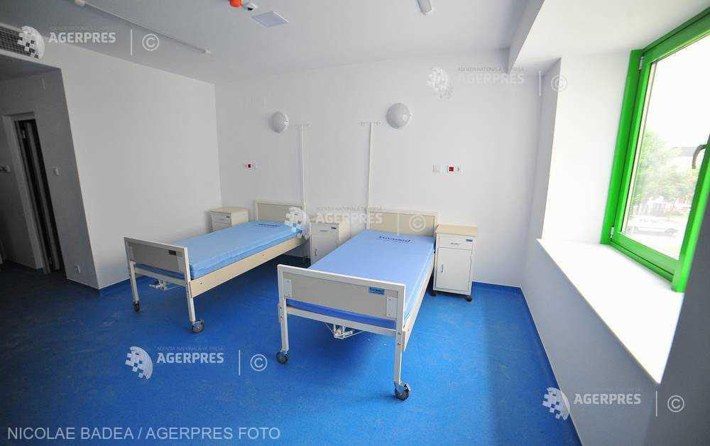 Vâlcea: Anchetă la Spitalul Judeţean, în cazul fetiţei ce a ajuns în Capitală cu pneumonie
