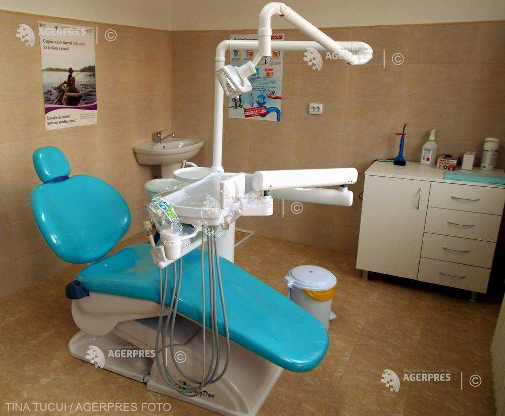 ASSMB: Aproape 2.400 de tratamente stomatologice gratuite - efectuate în prima lună de vacanţă în cabinetele din şcoli