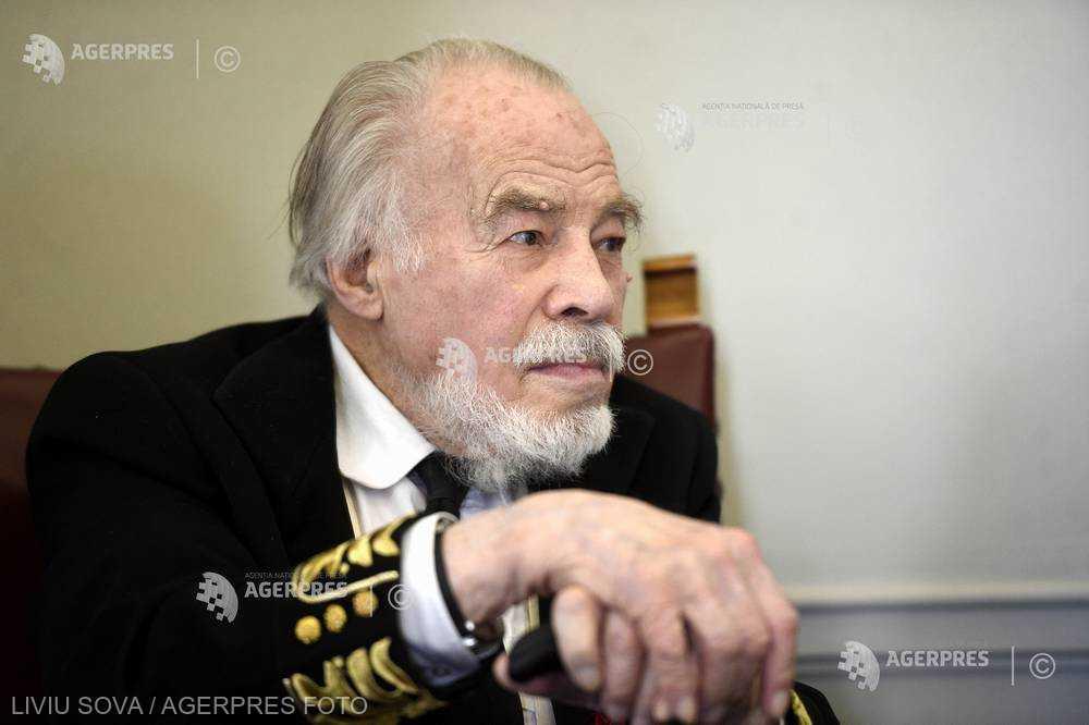DOCUMENTAR: Academicianul Dan Berindei împlineşte 95 de ani