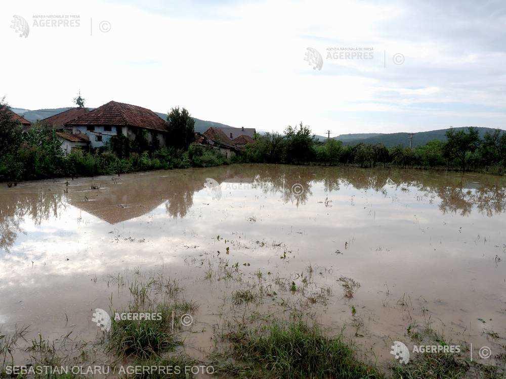 INHGA: Cod galben de inundaţii pentru râuri din 5 judeţe