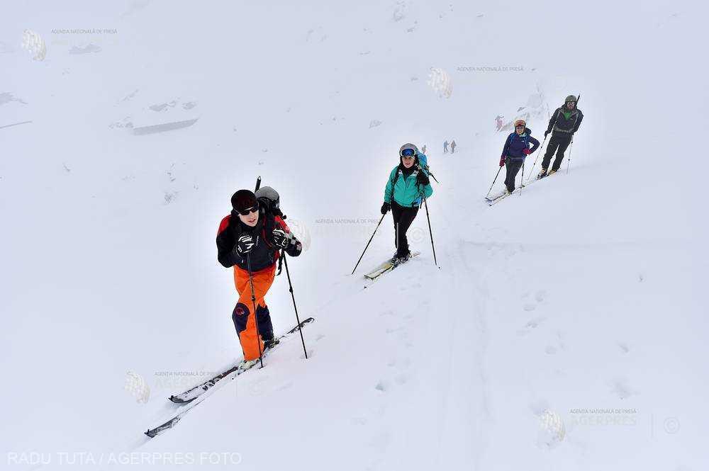 Hunedoara: Viteza prea mare pe pârtie, cauza multor accidentări la schi în Straja