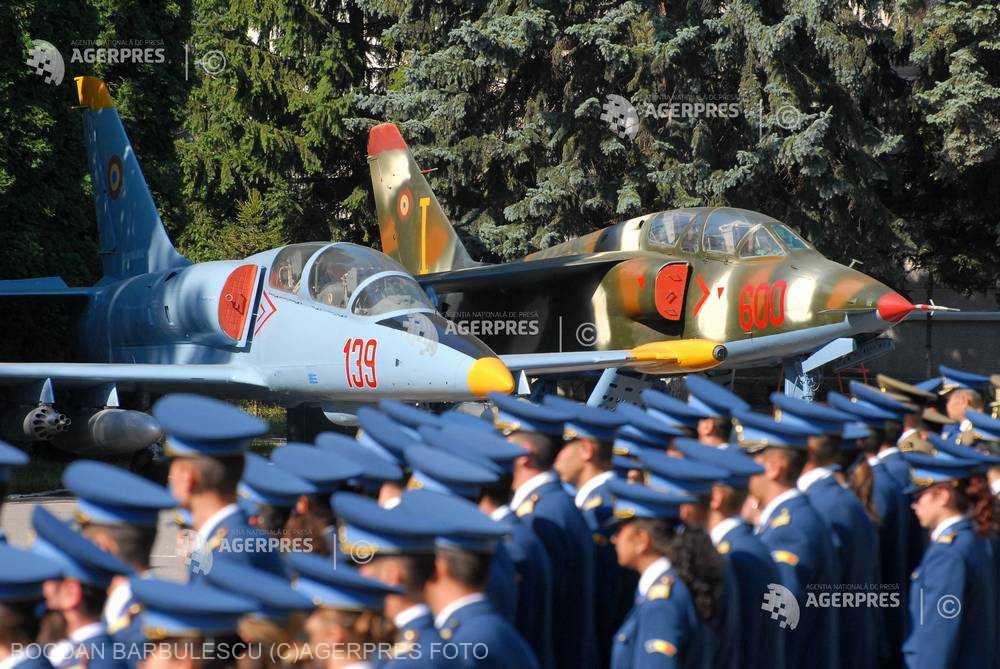 Braşov: Media cea mai mare la admiterea în anul I la Academia Forţelor Aeriene a fost obţinută de o fată