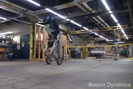 O firmă americană a postat pe internet un videoclip cu Handle, robotul care pare făcut pentru