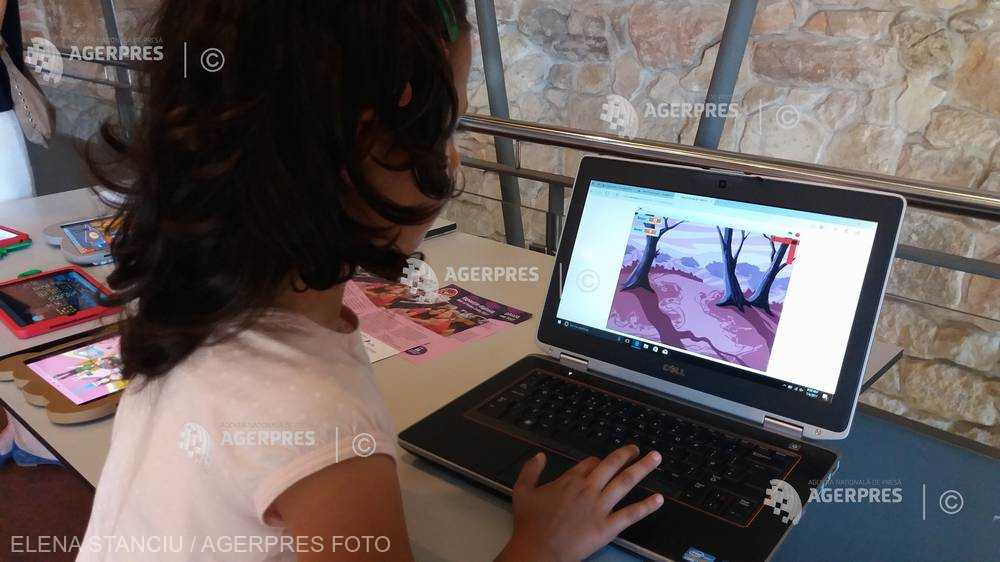 Lipsa de atenţie a copiilor pusă de experţi pe seama utilizării excesive a ecranelor