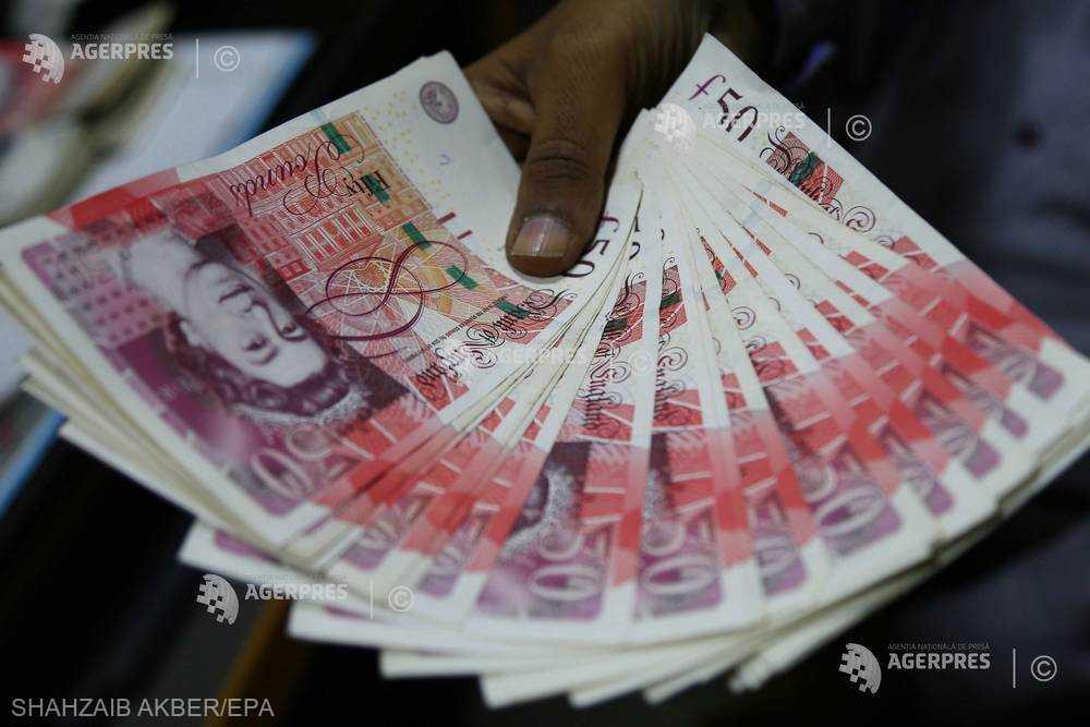 Directorii marilor companii britanice câştigă de 133 de ori mai mult decât un salariat mediu