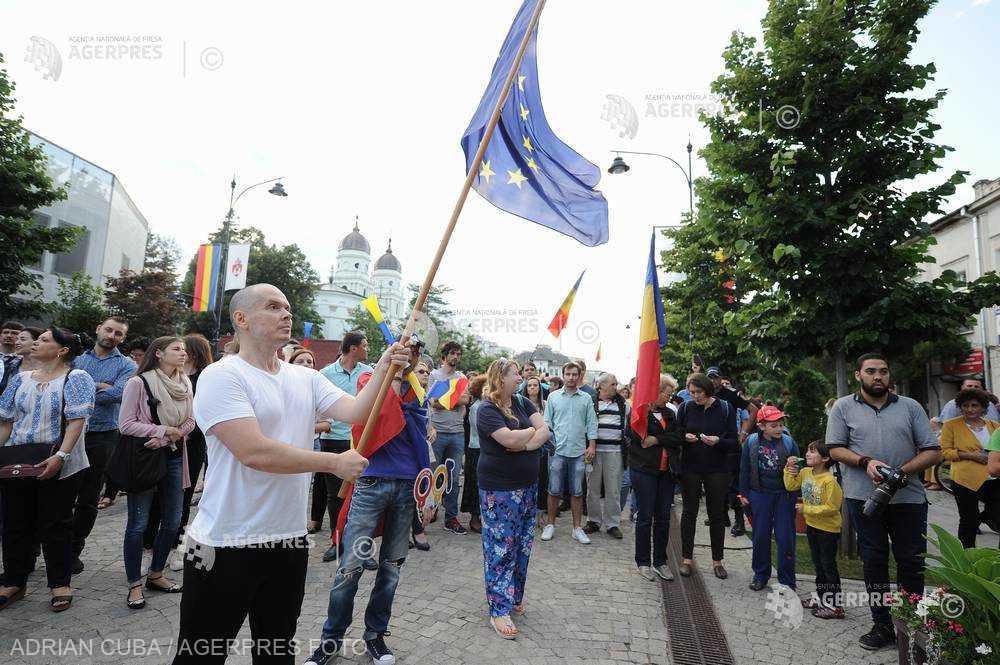 Iaşi: Două mitinguri de protest vor fi organizate în aceeaşi zi cu mitingul PSD; mobilizarea se face pe reţelele de socializare