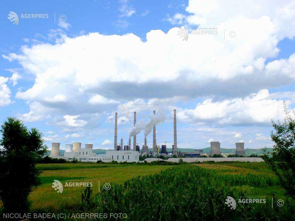 Arderea combustibililor fosili, principala cauză a scăderii nivelului de oxigen din atmosfera terestră (studiu)