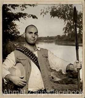 O PERSONALITATE PE ZI: Cântăreţul, actorul şi producătorul Ahmet Zappa