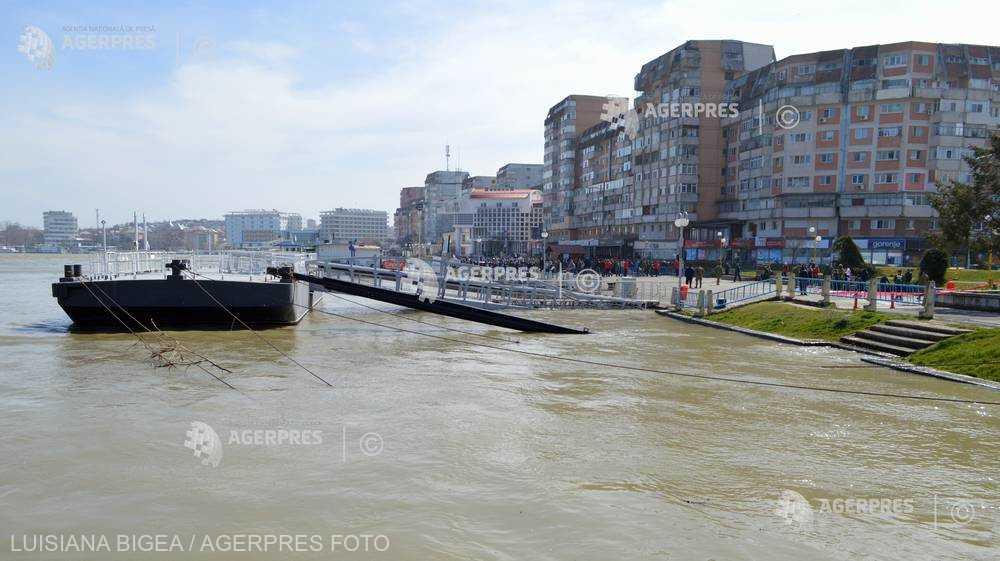 Tulcea: Consilierii judeţeni au aprobat alocarea unor fonduri suplimentare pentru preluarea falezei Dunării