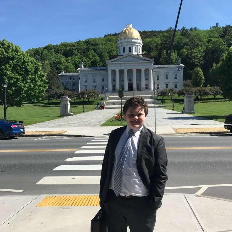 Candidat la 14 ani. Adolescentul Ethan Sonneborn vrea să fie guvernator al statului Vermont