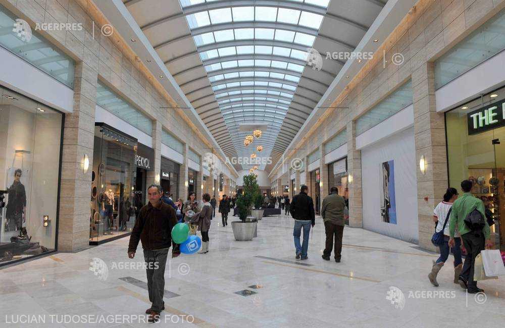Marii retaileri au reuşit să menţină ritmul de creştere a cifrei de afaceri la 12%, dublu faţă de avansul consumului