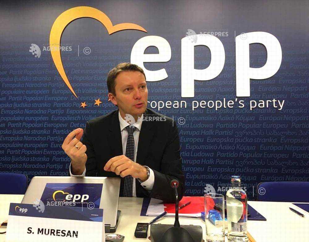 Siegfried Mureşan îi cere premierului să spună ce planuri are Guvernul în cazul Combinatului siderurgic de la Galaţi