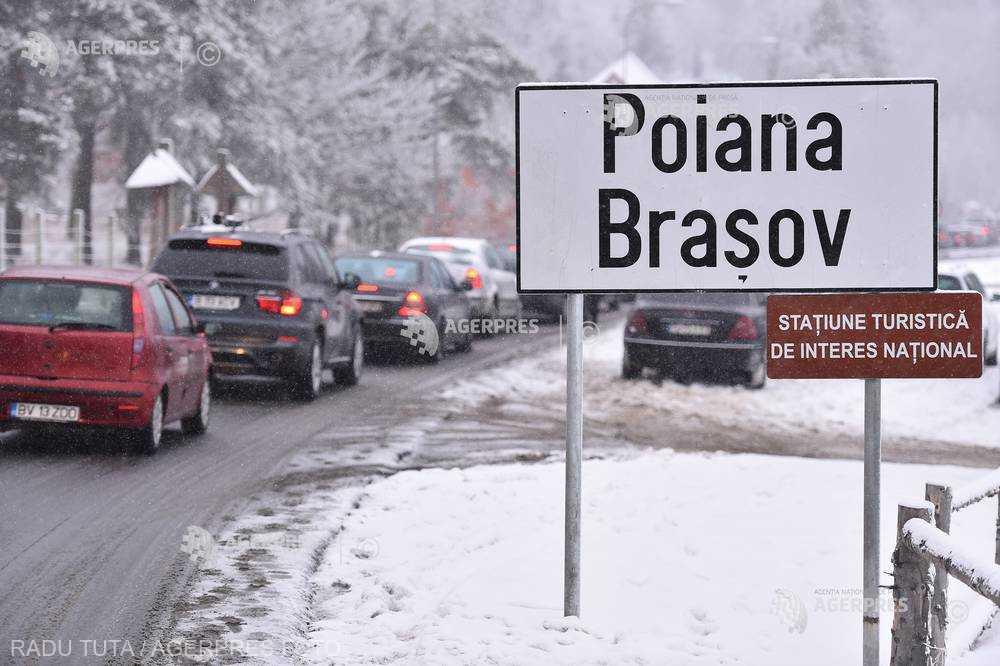 Braşov: Toate locurile de parcare din Poiană sunt ocupate