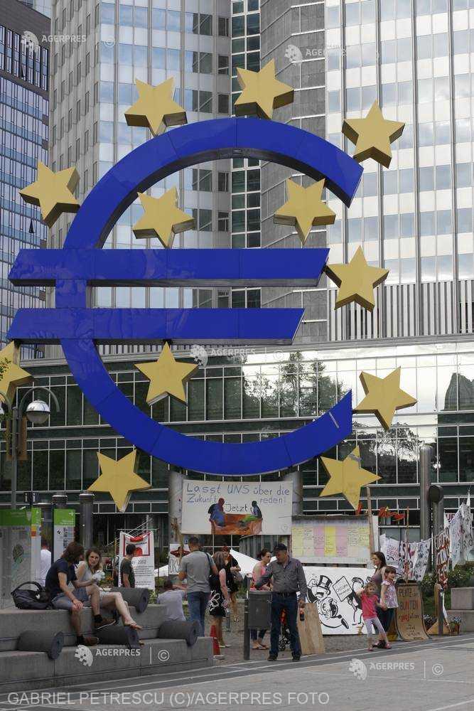 România ţinteşte aderarea la Zona Euro, dar sunt necesare reforme structurale pentru o consolidare bugetară solidă