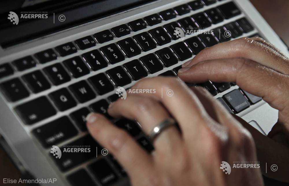Trei ''vedete ale reţelelor de socializare'', arestate la Abu Dhabi pentru că au participat la o provocare devenită virală